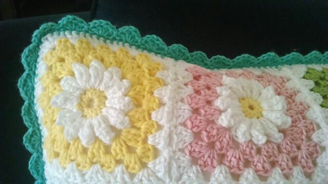 Crochet pillow, detail