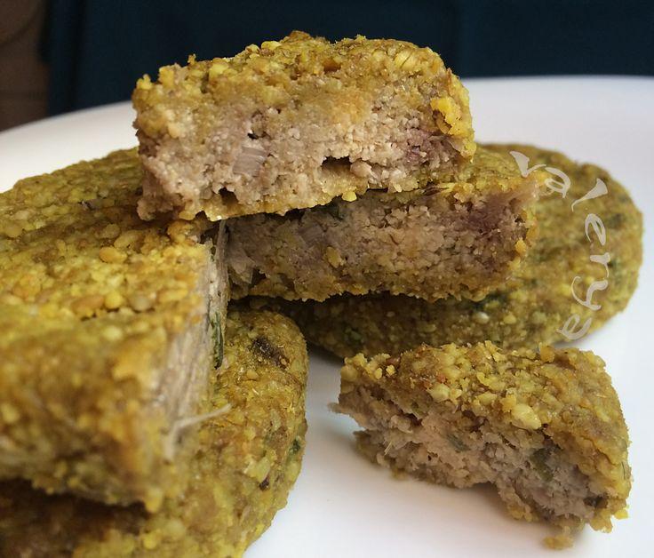 raw food . Queso vegetal en HORMA de Girasol . link a la receta ♡ https://www.facebook.com/media/set/?set=a.10152770332416496.1073742025.587831495&type=1&l=47e0f80d92