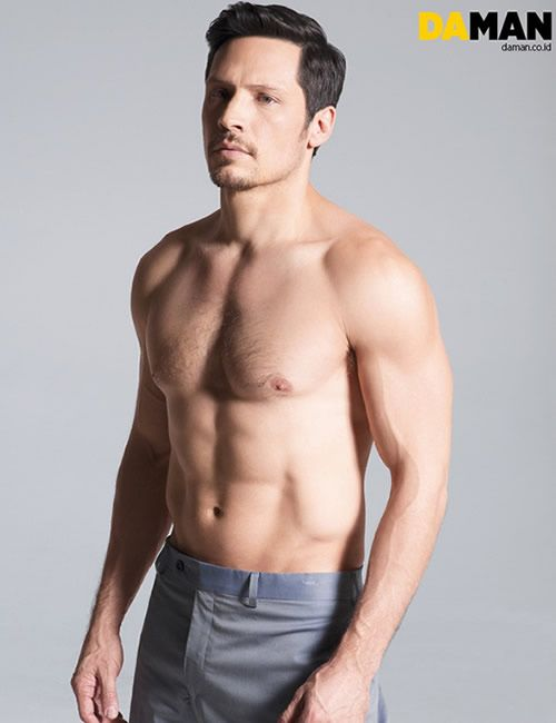 'Revenge' star Nick Wechsler for Da Man magazine @Kristen - Storefront Life Kernohan good lord.....