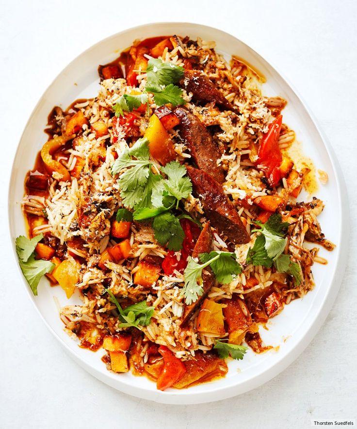 Der kreolische Reisklassiker Jambalaya besticht durch viel Gemüse und würzige Schärfe, wir veredeln ihn mit feinem Essig und Öl - und gezupftem Schweinebauch.