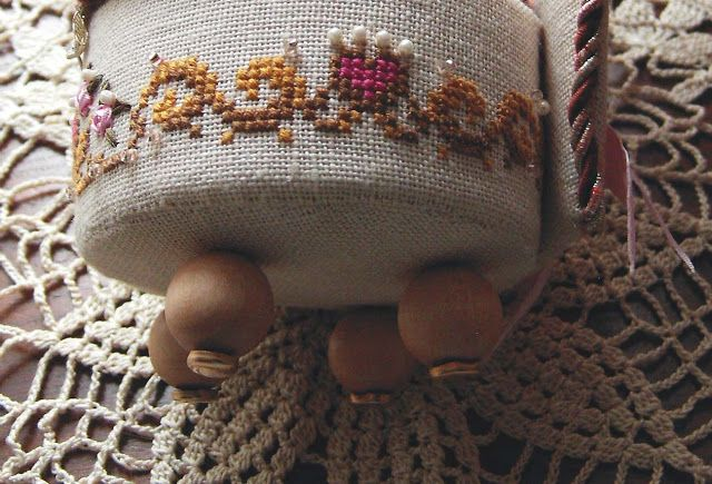 MY CROSS STITCH: La Roseraie designed by The Cats Whishers