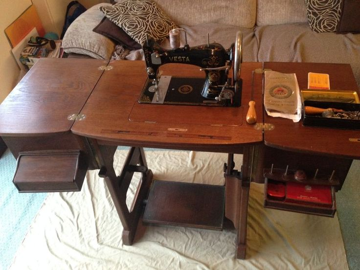 Vintage antique Vesta vibrating shuttle Antique Sewing Machine in Cabinet Table