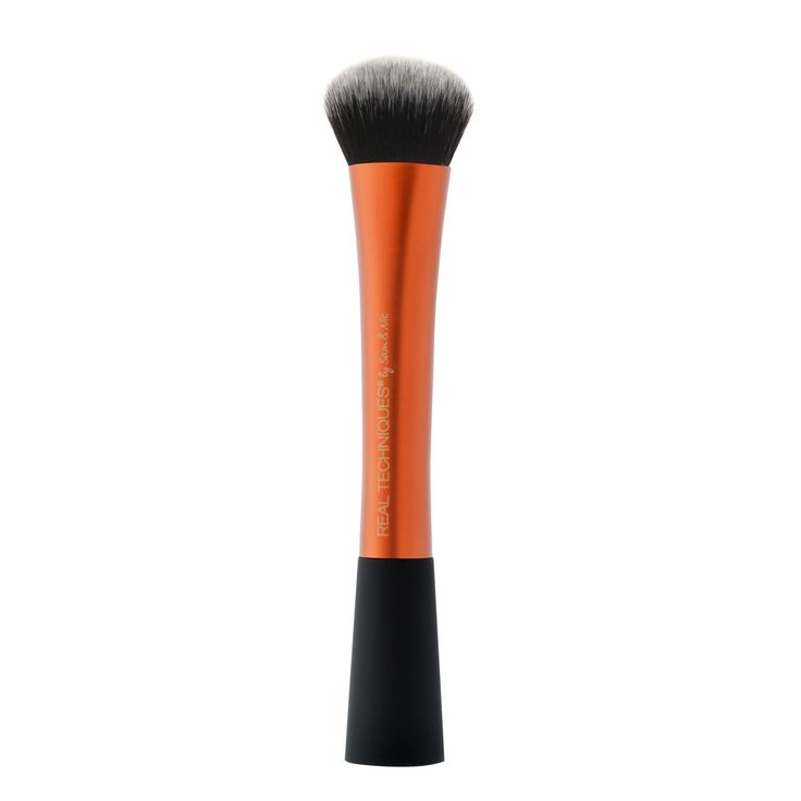 Our #1 best-selling brush. Our expert face brush is ultra firm and broad for perfectly buffed foundation and an airbrushed finish. The buff you need to experience Ideal for cream and liquid foundations