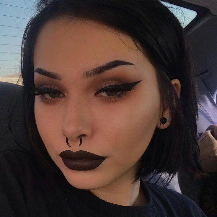 @6mio9 .......#goth #goths #gothgirl #gothgirls #makeup #motd #mua
