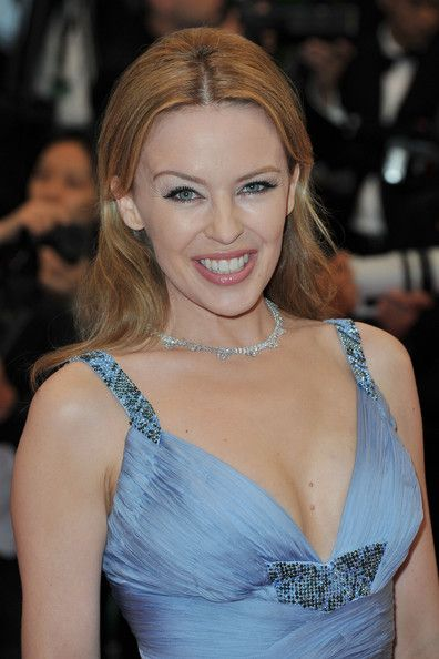 Kylie Minogue Layered Cut - Kylie Minogue Looks - StyleBistro