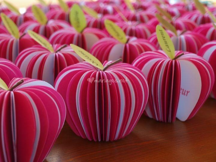 Menu/marque place pomme d'Amour, rose fuchsia et blanc de Ethanel Faire Part | Foto 12