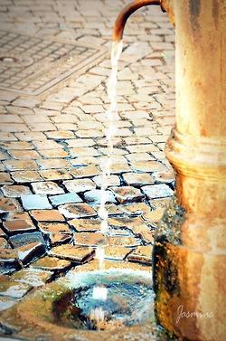 Piazza Navona - Water Fall Italy #CobbleStones