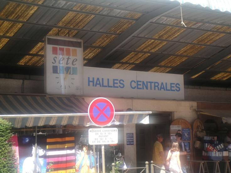 Les Halles - Sète : Violets, navettes, chalumeaux, tielles... et polémiques