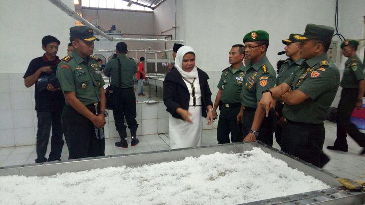 Peninjauan Sentra Pengolahan Kelapa di Desa Kadu Ronyok Kecamatan Menes Pandeglang Banten