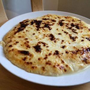 Kuuluisaa Lapin-herkkua eli leipäjuustoa voi tehdä myös kotona.