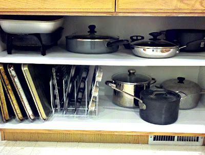 Organizing pots & pans; #homekeeping #kitchen
