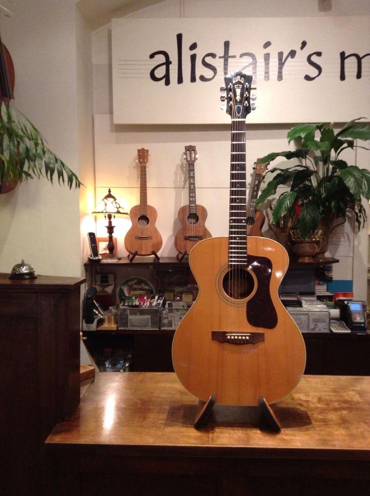 Vintage Guild guitar F30R