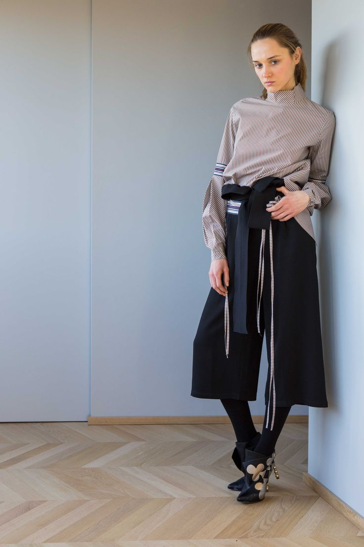 Statement Sleeves- crop pants