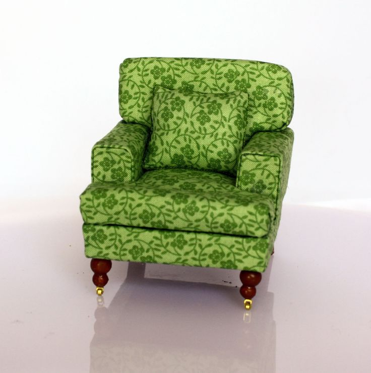 Thought I'd share this 1/12 scale armchair made by me in a workshop with Janet Harvie
