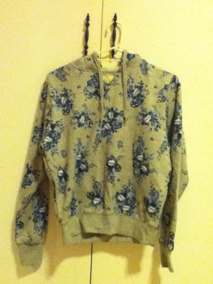3 - floral Factorie jumper, size Large. Really loose but comfy and warm.