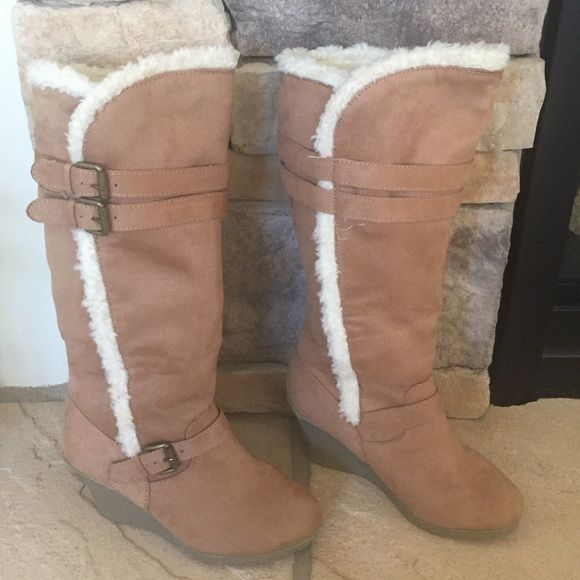"""HOLD FOR @VILMA1516TILL 02/02 OLD NAVY BOOTS Old Navy knee high boots with soft, warm lining. Very good condition. Pull on style. Buckles are for decorative purpose only. A few small marks but otherwise in great condition. Wedge is approx 2.5"""" and platform is .5"""". SMOKE FREE HOME Old Navy Shoes Winter & Rain Boots"""