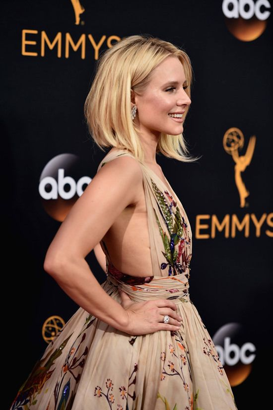 kristen-bell-house-of-lies-2016-emmy-awards-red-carpet-fashion-zuhair-murad-couture-tom-lorenzo-site-7