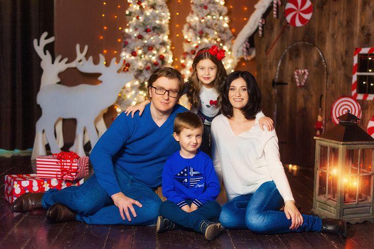 Новогодняя семейная фотосессии в студии Прованс