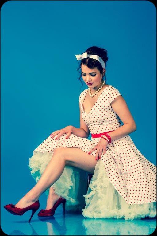 Magdiék egy újabb remek pin up fotósorozatot készítettek :)  Fotó: Krisztina Máté / Profil fotó Haj: Szőcs-Trekovanyic Magdi / Magdi Szépségszalon Smink: Fanni Mikolay Ruha: MiaBella Hungary Modellek: Napsugár