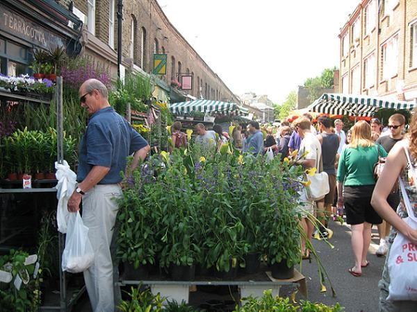 Il mercato dei fiori a Columbia Road