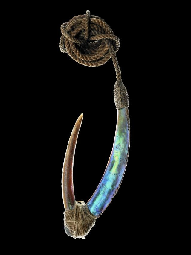 Topic: Traditional Maori fish hooks and trolling lures | Collections Online - Museum of New Zealand Te Papa Tongarewa