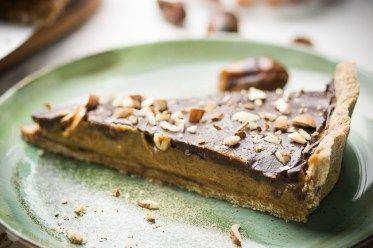 Krucha tarta z solonym karmelem i czekoladą - erVegan