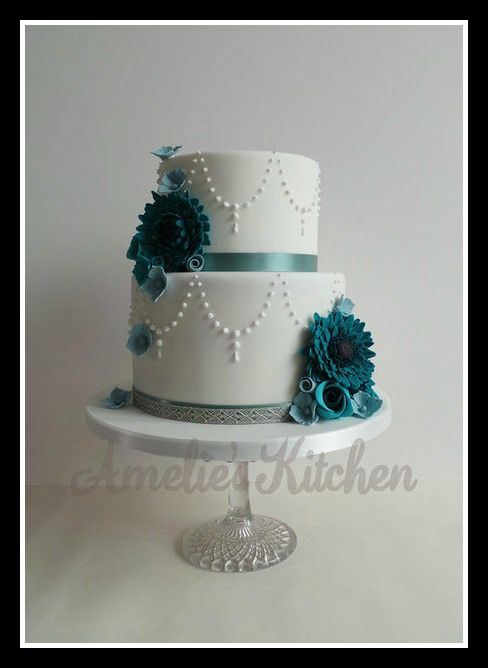 Teal Wedding Cake... Wedding ideas for brides, grooms, parents & planners ... https://itunes.apple.com/us/app/the-gold-wedding-planner/id498112599?ls=1=8 … plus how to organise an entire wedding, without overspending ♥ The Gold Wedding Planner iPhone App ♥