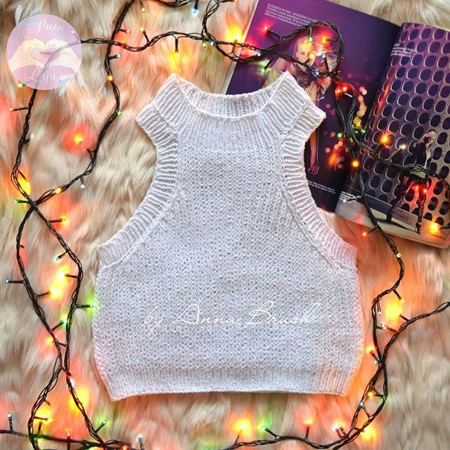 Вязаный спицами топ, кроп топ, укороченный топ Knit croptop handmade, ribbed top #вязаныйтоп #вязание #кроптоп  #вязаниеспицами #knitting #knit #croptop #handmade #одежда  #handknit