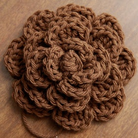 Big crochet flower tutorial