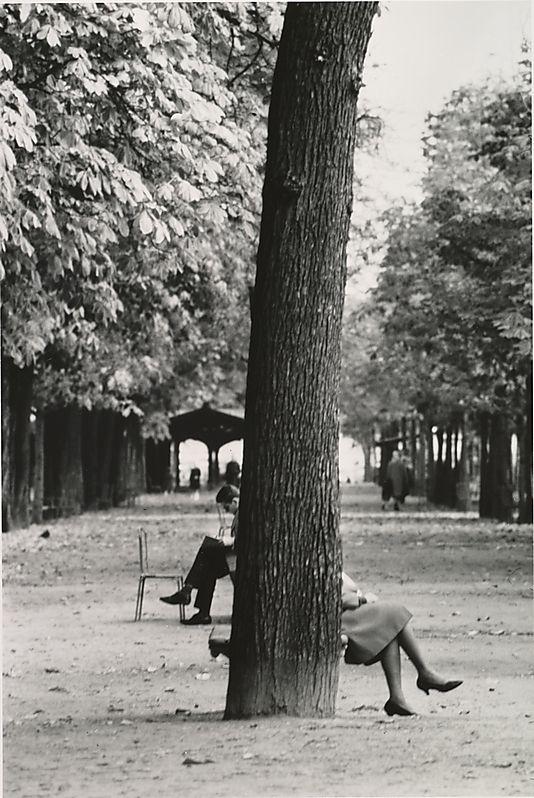 The Champs Elysées, Paris André Kertész, 50s