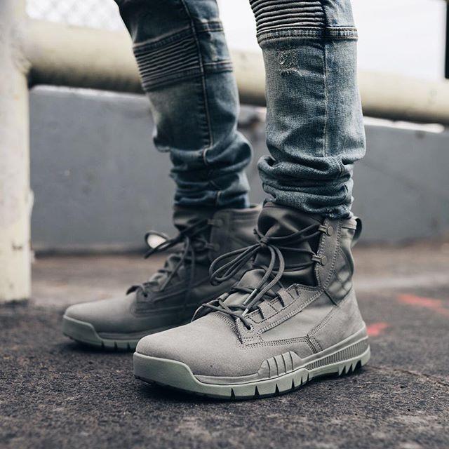 Nike Air Force 1 High Sf