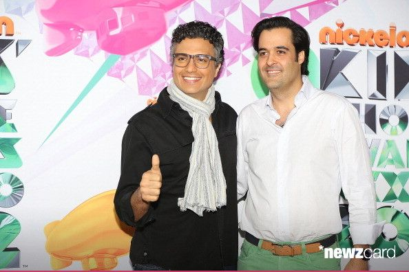 Jaime Camil and MTV Networks Latin America vice president and general director, Eduardo Lebrija arrive at Kids Choice Awards Mexico 2012 at Pepsi Center WTC on September 1, 2012 in Mexico City, Mexico.  (Photo by Victor Chavez/WireImage)