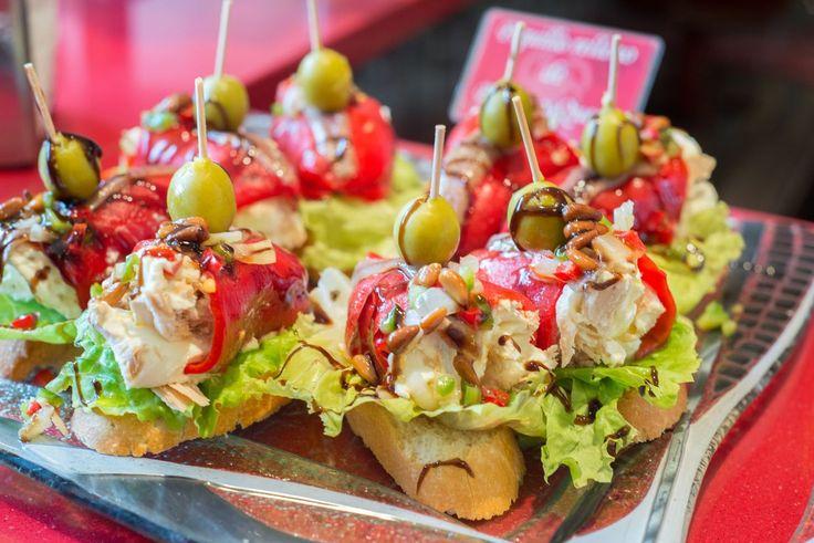 Bares de pinchos en Bilbao para conocer la gastronomía en miniatura de la ciudad