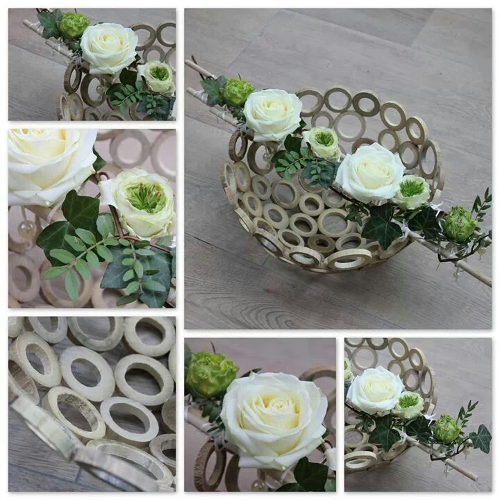 Houten ringen schaal met bloemen
