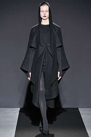 Monk Robe Fashion - The Ksenia Schnaider Spring/Summer 2012 Collection is Religion-Inspired (GALLERY)
