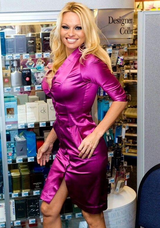 ⭐Pamela Anderson, | B - Pamela Anderson | Satinkleid ...