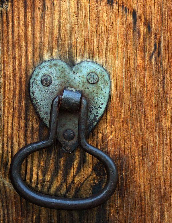 74 best HEARTS \'N DOORS images on Pinterest | Lever door handles ...