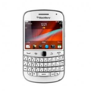 Blackberry 9900 White Unlocked Touch Screen and Qwerty Keypad with Memory Card