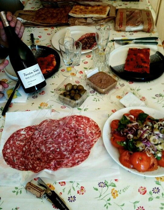 Cibo Toscano e Vinello Francese. Chi ci ammazza?!
