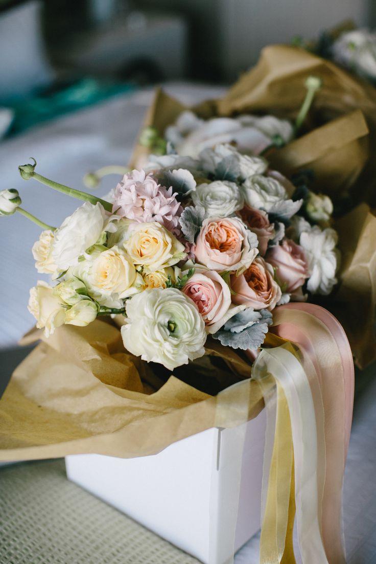 Pastel Wedding Flowers!! Love it :)