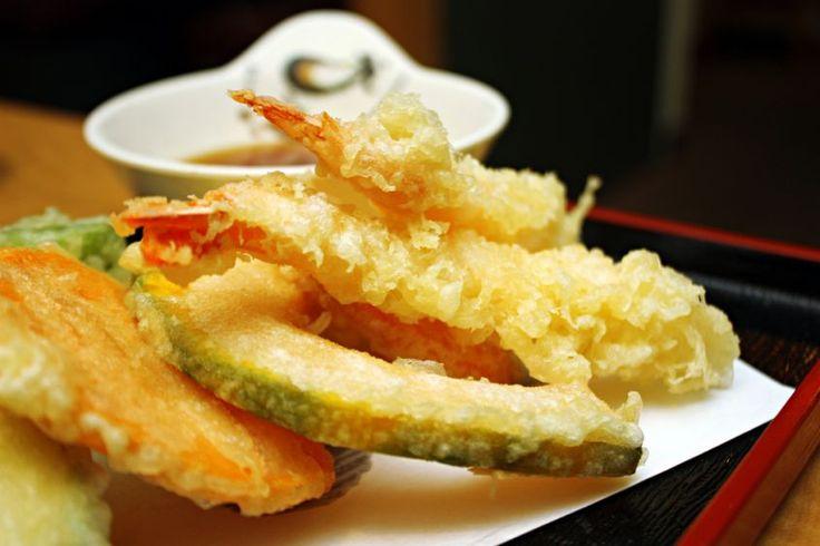 Il Tempura è la tipica pastella giapponese per friggere pesce, soprattutto crostacei e verdure. Si tratta di una pastella molto leggera, croccante e friabile, sembra importata dai gesuiti portoghesi nel XVII secolo.