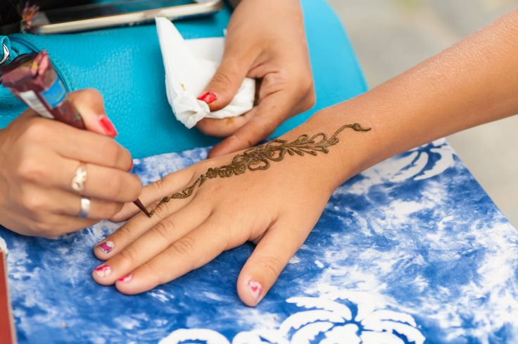 FOX NEWS: Temporary henna tattoo leaves 7-year-old girl with severe chemical burns This temporary tattoo left very permanent scars.