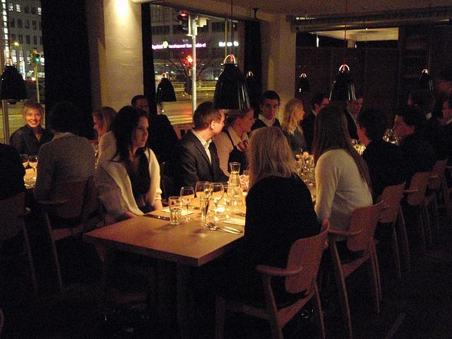 Nolla, restaurante/club. Restaurante de dia. Restaurante/balada de noite. Ambiente e público bonitos.