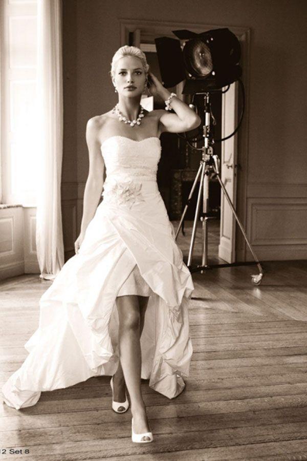 Asymmetrical Wedding Dresses Sweetheart Brush Train White H6lr0025