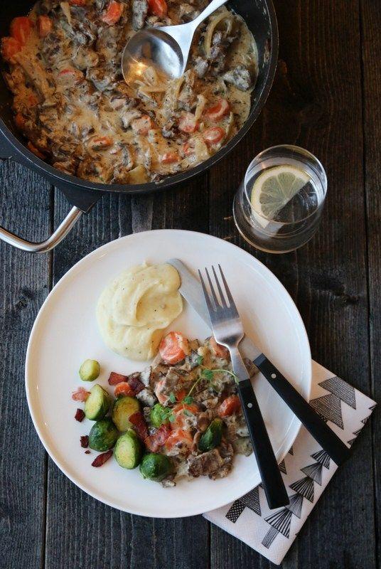 Finnbiff med rosenkål, bacon og sellerirotmos