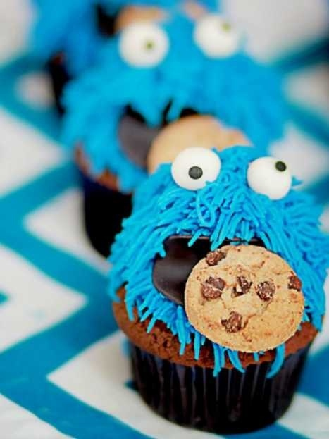 Cookie Monster makes an adorable birthday theme for your Sesame Street fan. #cupcake #birthday #party #kids #DIY