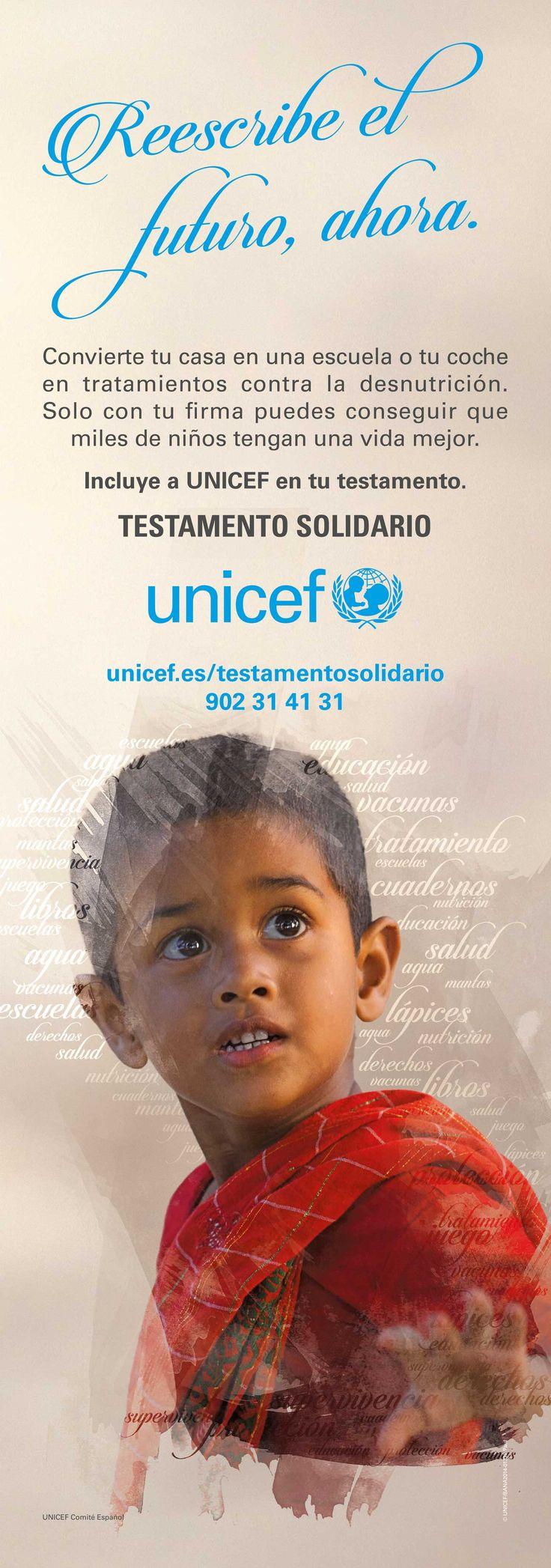 """Campaña de publicidad en quioscos de prensa en Madrid, para divulgar la acción de """"Testamento solidario"""" de UNICEF a través del slogan """"Reescribe el futuro ahora""""."""