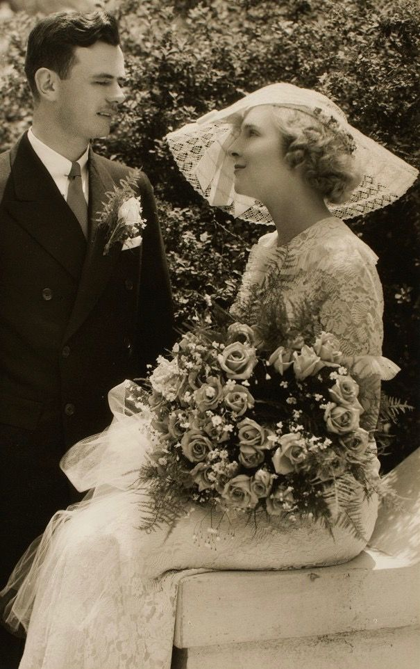 Pin By 1930s 1940s Women S Fashion On 1930s Wedding Dresses 1930s Wedding Dress Vintage Bride Vintage Wedding