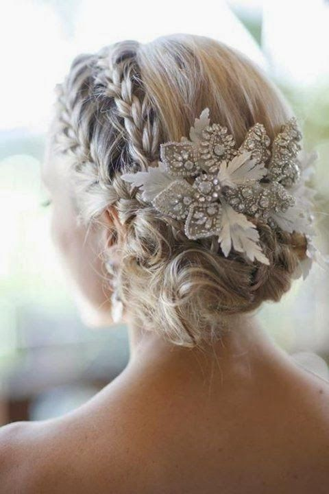Hairstyles For Winter Weddings | http://simpleweddingstuff.blogspot.com/2014/10/hairstyles-for-winter-weddings.html