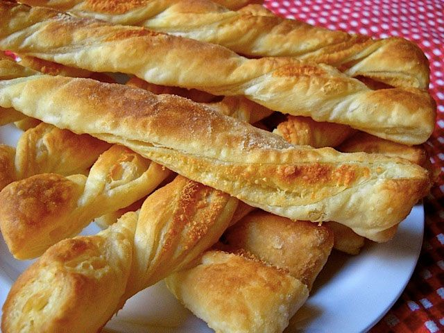 Share Tweet Pin Mail A veces conocer recetas como estas espirales de hojaldre conqueso parmesano nos ayudan a complementar una cena rápida y ligera, ...